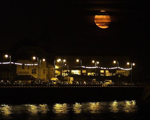 PZ-gallery-moonrise-penzance-promenade