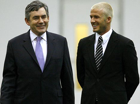 gordon-brown-david-beckham-olympic-team-gb