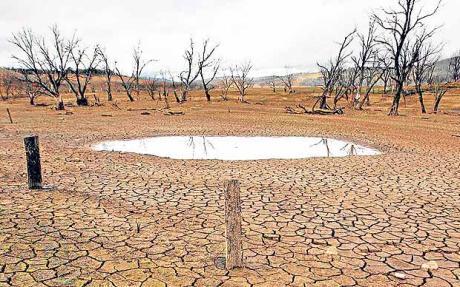 Peak Food Drought Lake Eucumbene Canberra Australia